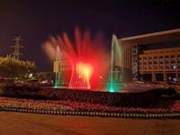 长春人民大街出现彩灯喷泉