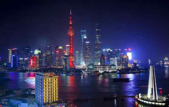 上海黄浦江沿岸景观灯光再提升