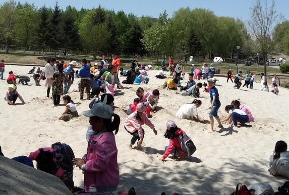 儿童节 长春雕塑公园邀请宝宝玩沙子