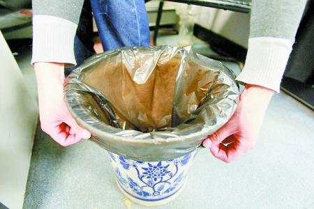 废弃瓶子手工制作花盆难一点