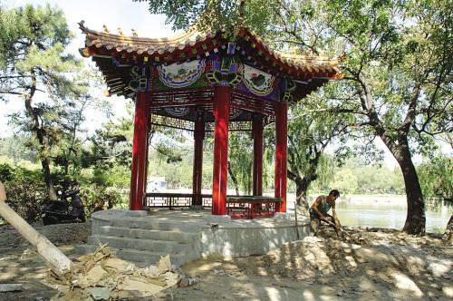 中国园林资材网9月7日消息:6日,二一九公园的劳动湖边新建...