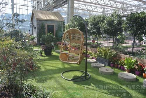 青山湖•花园中心室内卖场的庭院景观展示