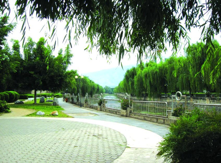 云南宾川:多举并措创建园林城市