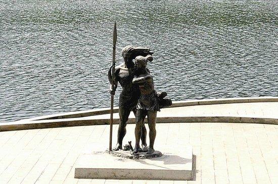 宜昌《盐水情爱》入选中国十大正能量城市雕塑