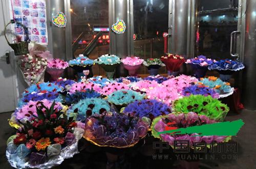 浙江:母亲节刺激富阳鲜花消费
