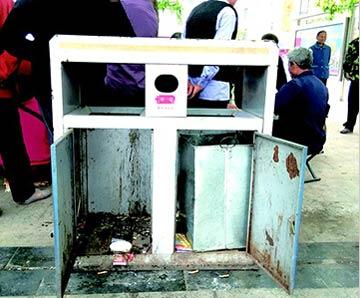 看到垃圾桶里的套子-四川 巴州垃圾箱内桶 飞 了 垃圾往哪儿丢