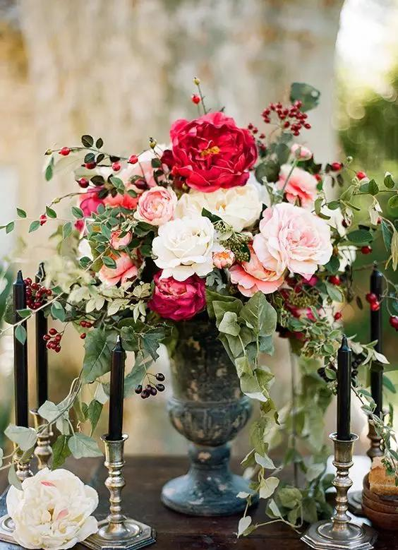 法式自然风格的婚礼花艺 少了一点美式田园的粗犷 少了一点英式田园图片