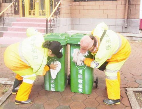 新增450个垃圾桶 老旧小区全覆盖居民齐点赞