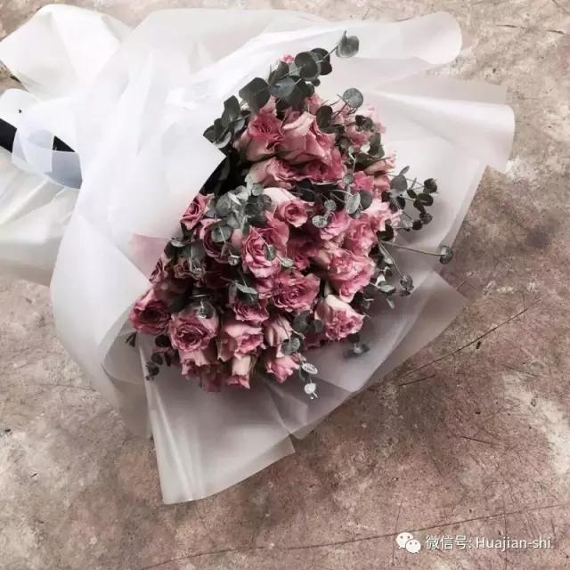 包装可以说是韩式花束的最大优势了