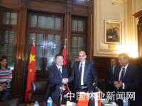 张建龙访问埃及 签署两国林业合作谅解备忘录
