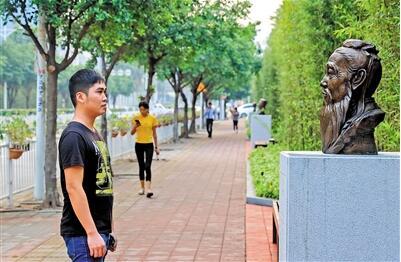 深圳宝安:玉塘文化雕塑街成靓丽风景
