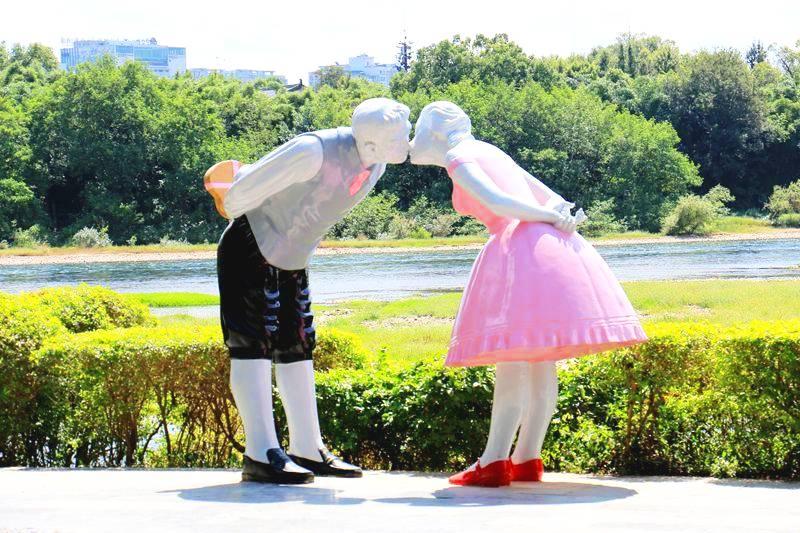桂林象山公园爱情岛上的多个雕塑辣眼睛