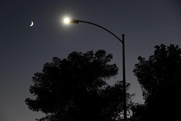 LED灯省电人人爱用 专家:加剧光害问题