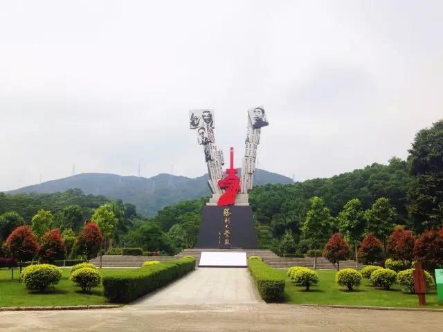 羊台山森林公园大浪入口广场二期-主题雕塑(枪杆子,笔杆子)工程 建设