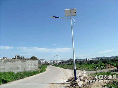 宁夏盐池:开展全国农村太阳能路灯试点