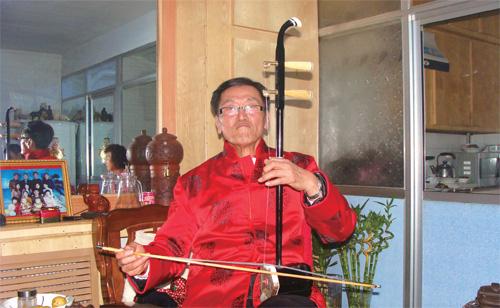 78岁马忠吉带领3000农户搞林下经济