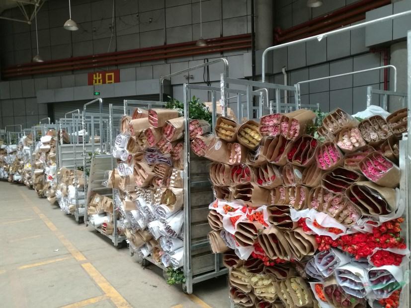 斗南两花拍中心复拍  400万枝鲜花投放市场